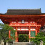 清水寺の門前