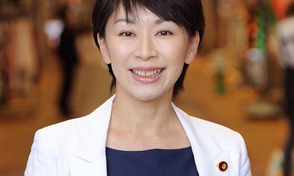 山尾志桜里のマネをしている民進党の人を発見したので紹介しておく