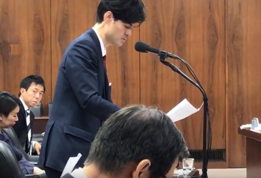山尾志桜里の態度が最悪!法務委員会でデートレイプドラッグ被害防止対策質疑中に一切資料を見ず居眠りも4